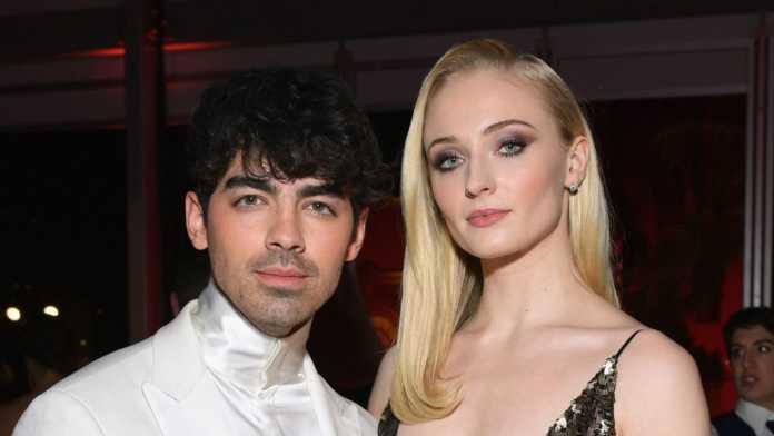 Sophie Turner And Joe Jonas Sent 100 Meals To Healthcare Workers In Los Angeles